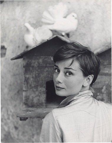 3 libros para aprender mucho y bien sobre Audrey Hepburn