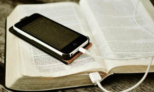 Wattpad: ¿ LITERATURA BASURA O DE CALIDAD?